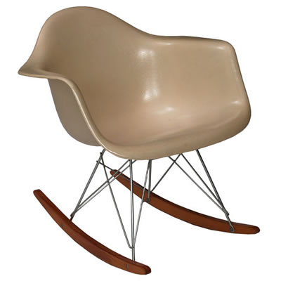 Scale objects of an Eames Rocking Chair, for Archi....